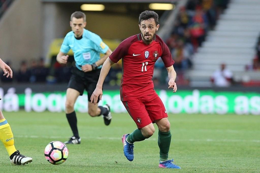 BERNARDO SILVA en acción con Portugal.