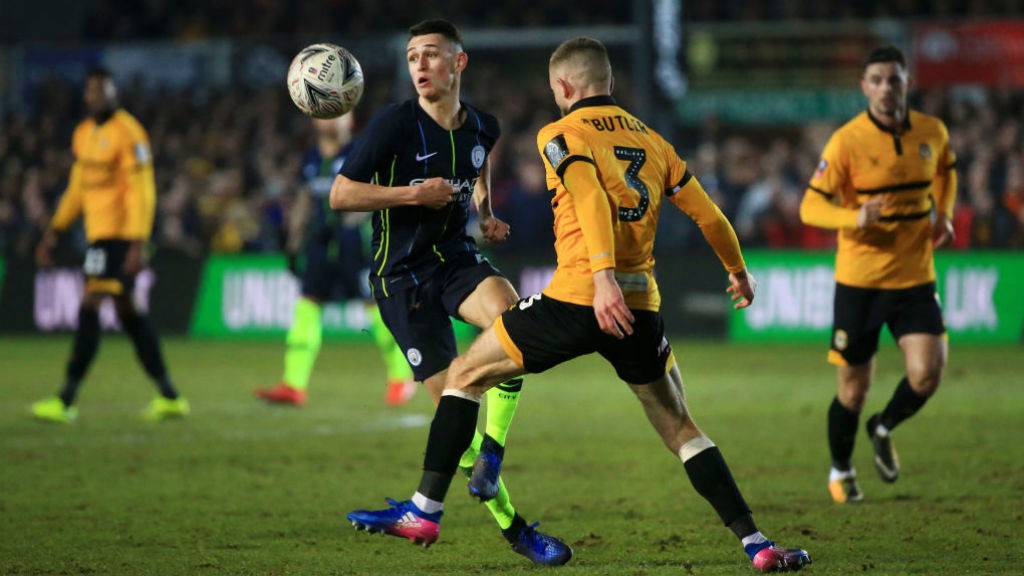 Phil Foden anotó dos goles ante los galeses.