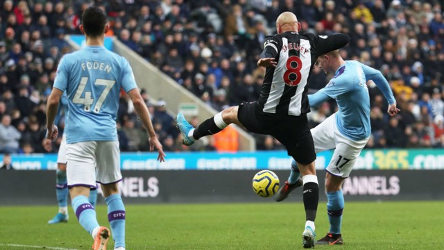 IN OFF THE BAR: De Bruyne produced a world-class strike to put City back ahead
